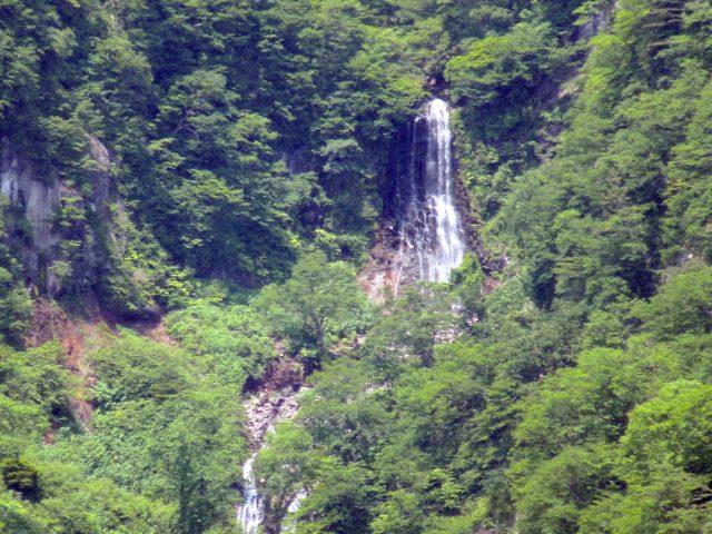地蔵滝(じぞうたき)