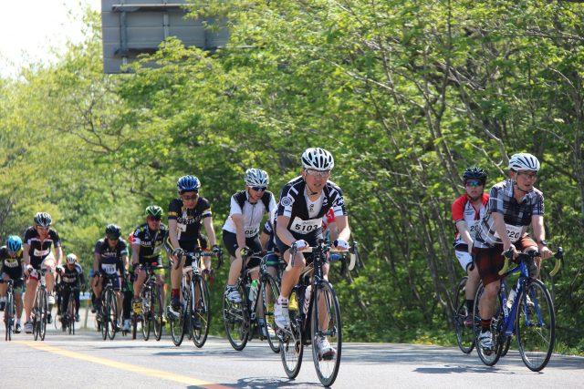 世界中のサイクリストが注目!新緑と残雪、蔵王のシンボル「御釜」「雪の壁」が堪能できる山岳自転車ロードレース「日本の蔵王ヒルクライム・エコ」